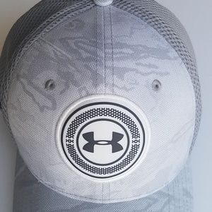 4e66d1f69be Under Armour Accessories - Men s UA Microthread Mesh Golf Hat